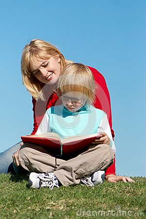 Literature Lesson Outdoor Royalty Free Stock Images - Image: 10245969
