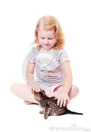 Little beautiful  girl  with cat