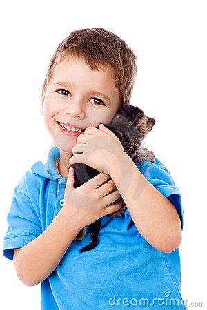 Little boy with kitty on shoulder