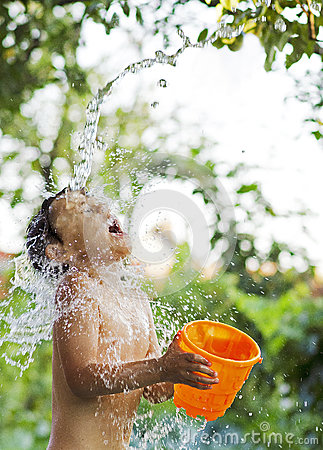 Free Little Boy Playing Stock Images - 83063624