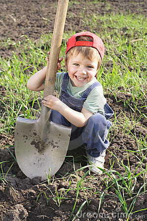 Free Little Boy With Big Shovel Stock Photography - 14278622