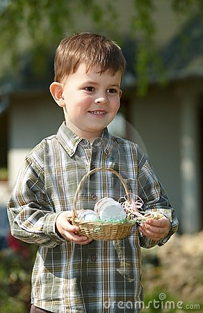 Free Little Boy With Easter Eggs Outdoor Royalty Free Stock Images - 13326089