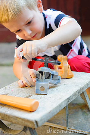 Little carpenter