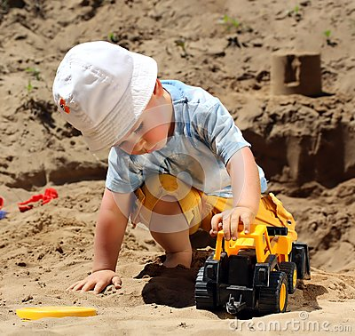 Free Little Child Play Stock Images - 9990814