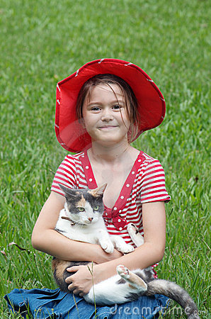 Free Little Girl And Cat Royalty Free Stock Photography - 23978007