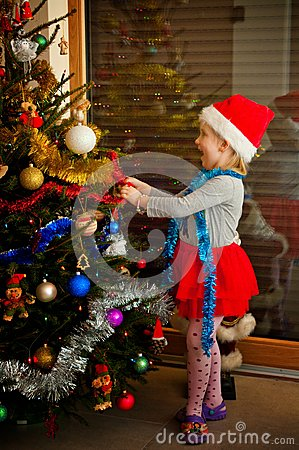 Free Little Girl And Christmas Tree Stock Photos - 48229853
