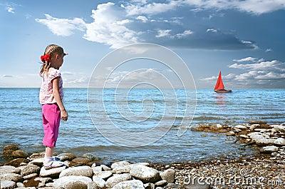 Little girl wait boat
