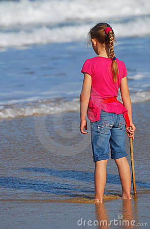 Free Little Girl Watching The Sea Stock Images - 20377734