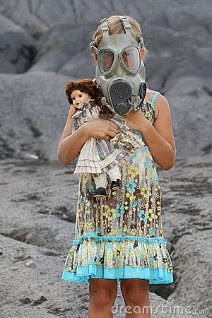 Free Little Girl Wearing A Gas Mask Stock Photos - 6126103