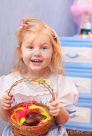 Free Little Girl With Chocolate Eggs Royalty Free Stock Images - 8613249