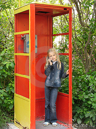 Free Little Girl With Mobile Phone Stock Photos - 205343