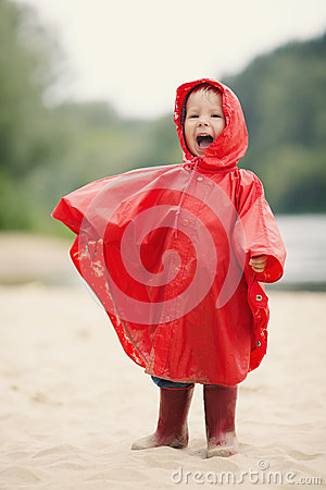 Free Little Girl With Raincoat Stock Photography - 33126852