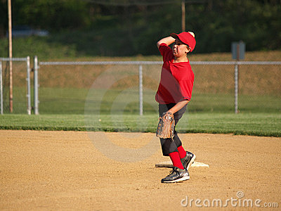 Little league second baseman