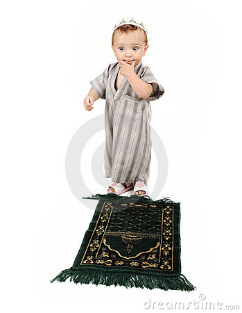 Little muslim kid is praying