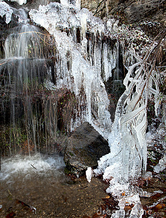 Free Little Waterfall And Needle Ice Royalty Free Stock Photography - 17413007