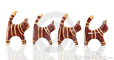 Little wooden cats