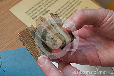 Livro pequeno