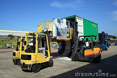 Load container truck