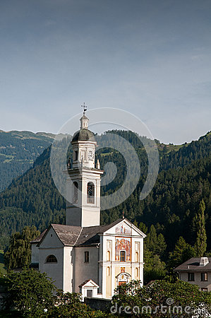 LOGO indefinissable sur un spartam Local-swiss-church-situated-small-town-named-tiefencastel-surrounded-beautiful-forests-29844036