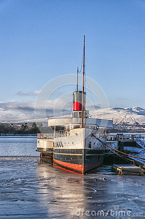 Free Loch Lomond Paddle Steamer Royalty Free Stock Photo - 30644635
