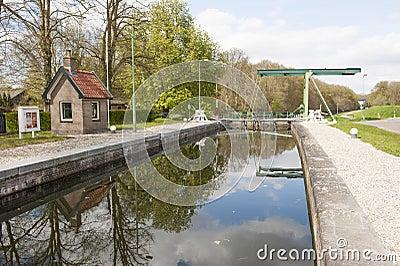 Lock chamber of sluice and drawbridge