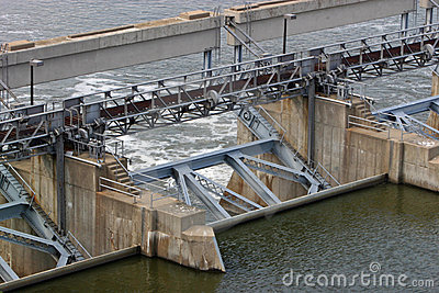 Locks and dam 35