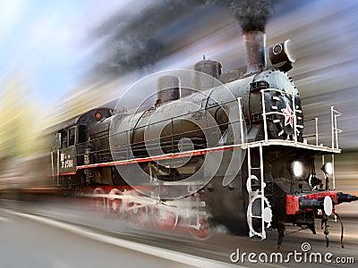 Locomotief in motieonduidelijk beeld