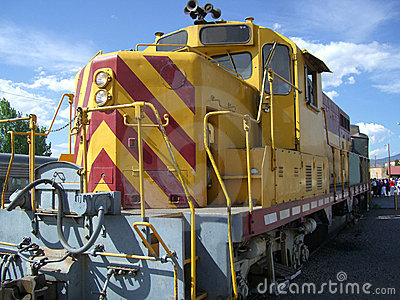 Locomotiva do motor de diesel
