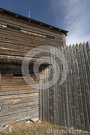 Log building details