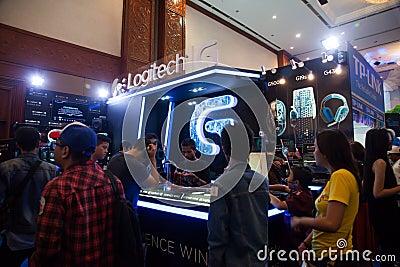 Logitech en la demostración de juego de Indo 2013 Foto editorial