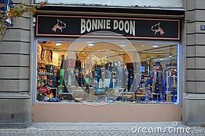 Loja das meias em Strasbourg/France Foto de Stock Editorial