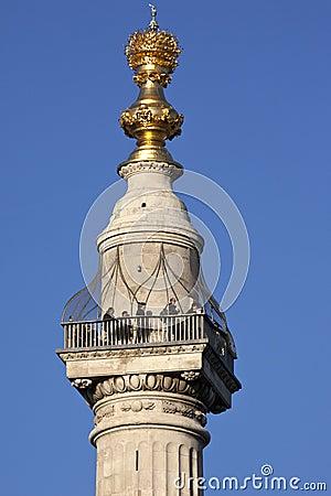 Londen - het Monument - Engeland Redactionele Afbeelding