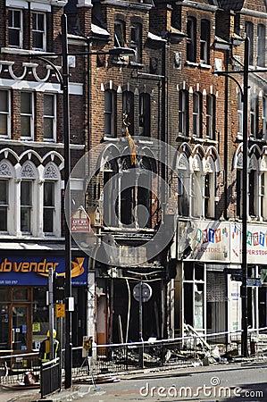 LONDON - 9. AUGUST: Clapham Verzweigungsbereich ist sacke Redaktionelles Stockfotografie