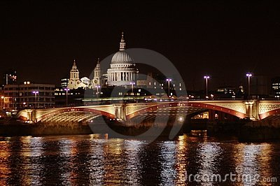 LONDON CITY - NIGHT SCENE