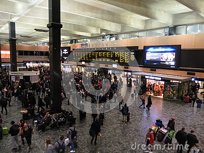 London Euston Station Free Public Domain Cc0 Image