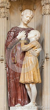 Free LONDON, GREAT BRITAIN - SEPTEMBER 18, 2017: The Marble Statue Of St. Frances Of Rome In Church Immaculate Conception, Farm Street. Royalty Free Stock Images - 111562849