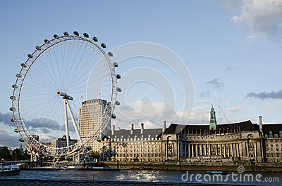 LONDON - JUNE 16: London Eye on June 16, 2012 Editorial Stock Image