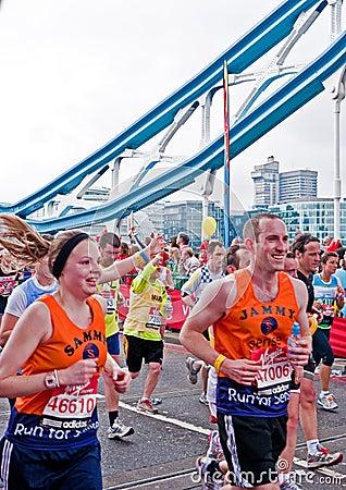 London maraton 2010 Redaktionell Arkivfoto