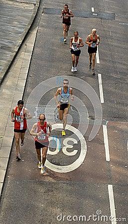 London maraton Redaktionell Arkivfoto