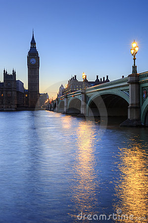 Free London Night Skyline Of Parliament And Big Ben Royalty Free Stock Photography - 19523277