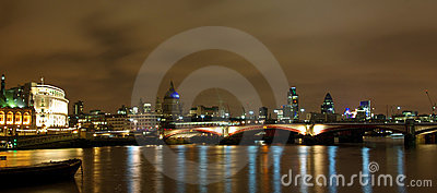 London night view from the Thames