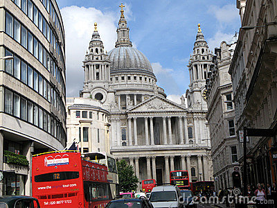London, St. Paul s and Double Decker Bus Editorial Photography