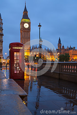 London symbols: telephone box, clock Big Ben