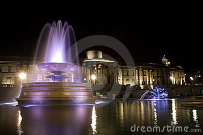 London - Trafalgar square in night
