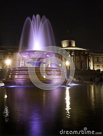 London - Trafalgar square in night - fountain