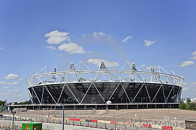 LondonOlympicsstadion 2012 nähert sich Beendigung Redaktionelles Foto