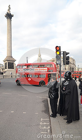 Darth Vader Londons Trafalgar quadrado área 14° de março de 2013 Fotografia Editorial