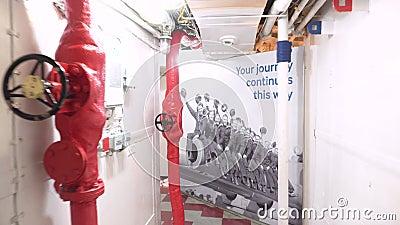 Londres, Royaume-Uni - 13 mai 2019 : L'intérieur de musée de navire de guerre de HMS Belfast, a vu l'action pendant la deuxième g banque de vidéos