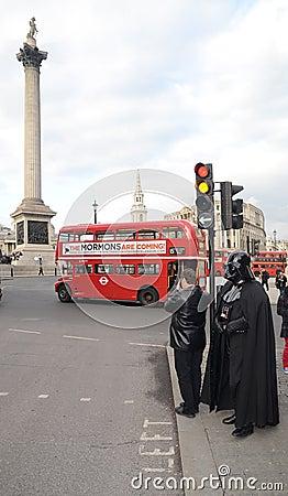 Darth Vader Londons Trafalgar kwadrata teren 14th Marzec 2013 Fotografia Editorial