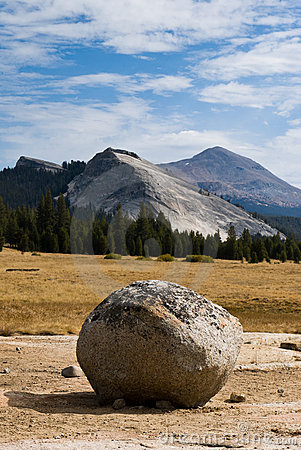 Lone boulder in Tuolumne Meadows